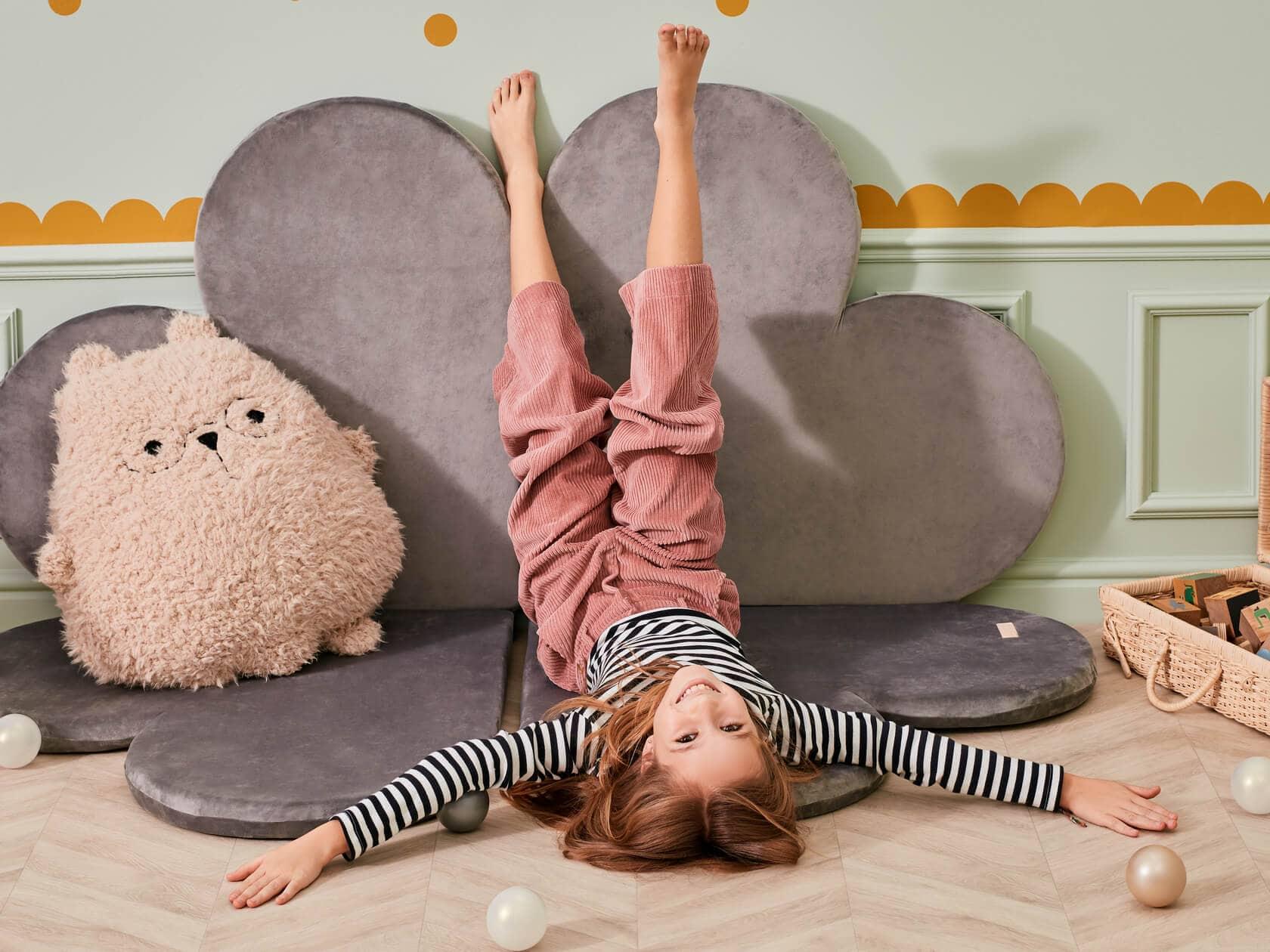Wybór maty do zabawy dla dzieci – na  co zwrócić uwagę?