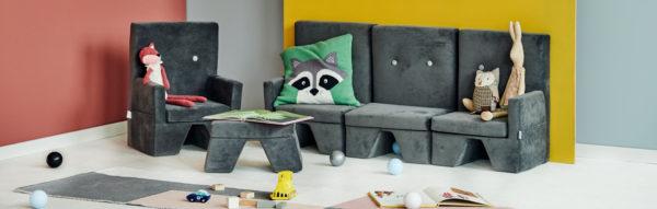 Fotelik, podnóżek i sofa