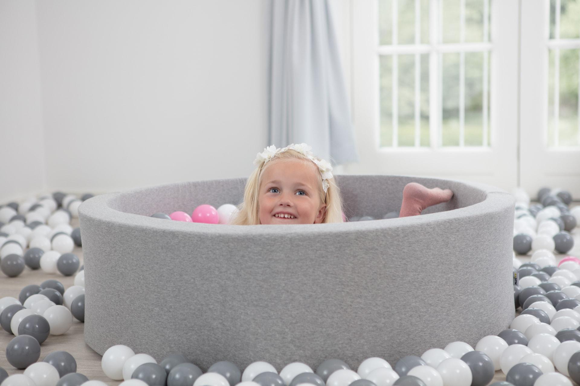 Ile piłek potrzeba do suchego basenu?