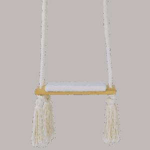 Huśtawka prosta - białe siedzisko - jasna deska - zbliżenie