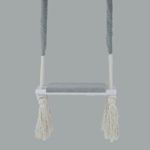 Huśtawka prosta - jasnoszare siedzisko - biała deska - zbliżenie